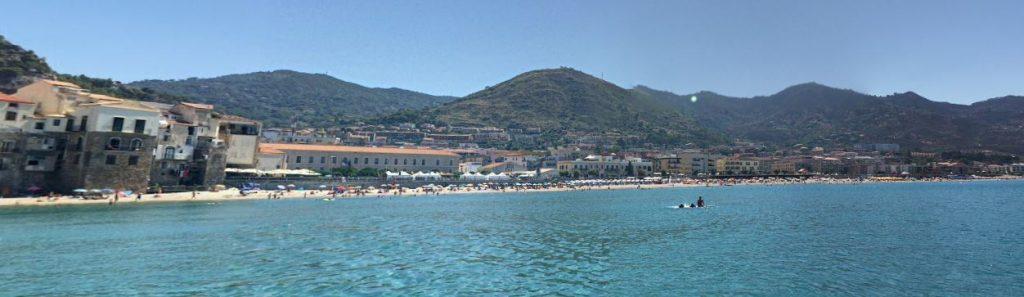Cefalu Sisilia ranta